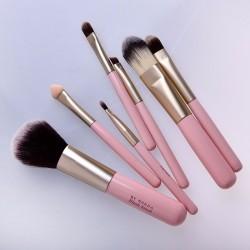 ca2ce1e491b1 7 pcs Palette Solid Highlighter Powder Foundation Eyeshadow Makeup Brush Set